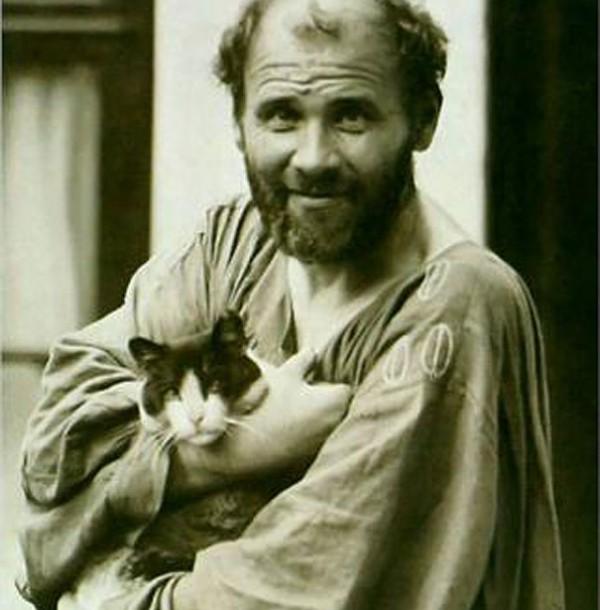 Gustav Klimt și Katze. Poze de colecție cu artiști si pisici