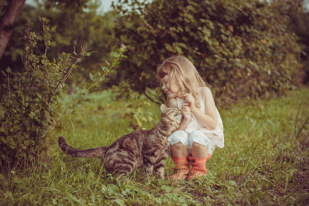 kids-with-cats-49__605